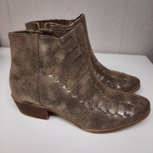 Not Rated Isabel Bootie Ankle Boots Size 6